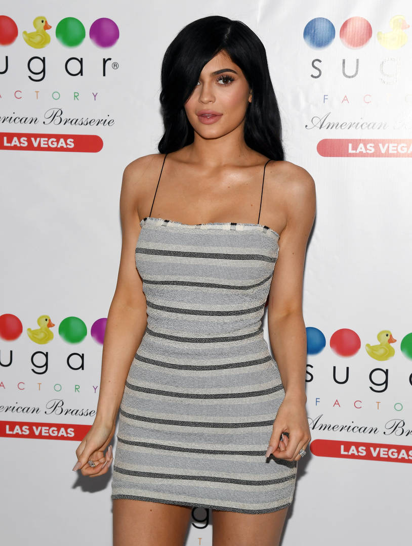 """Kylie Jenner Says Being A Naturally """"Skinny Person"""" Helped Her Bounce Back From Child Birth"""