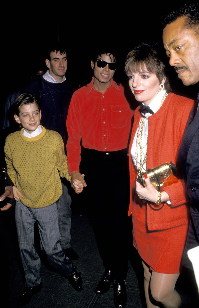 """Michael Jackson """"Leaving Neverland"""" Accuser Says They Got """"Married"""" When He Was 10"""