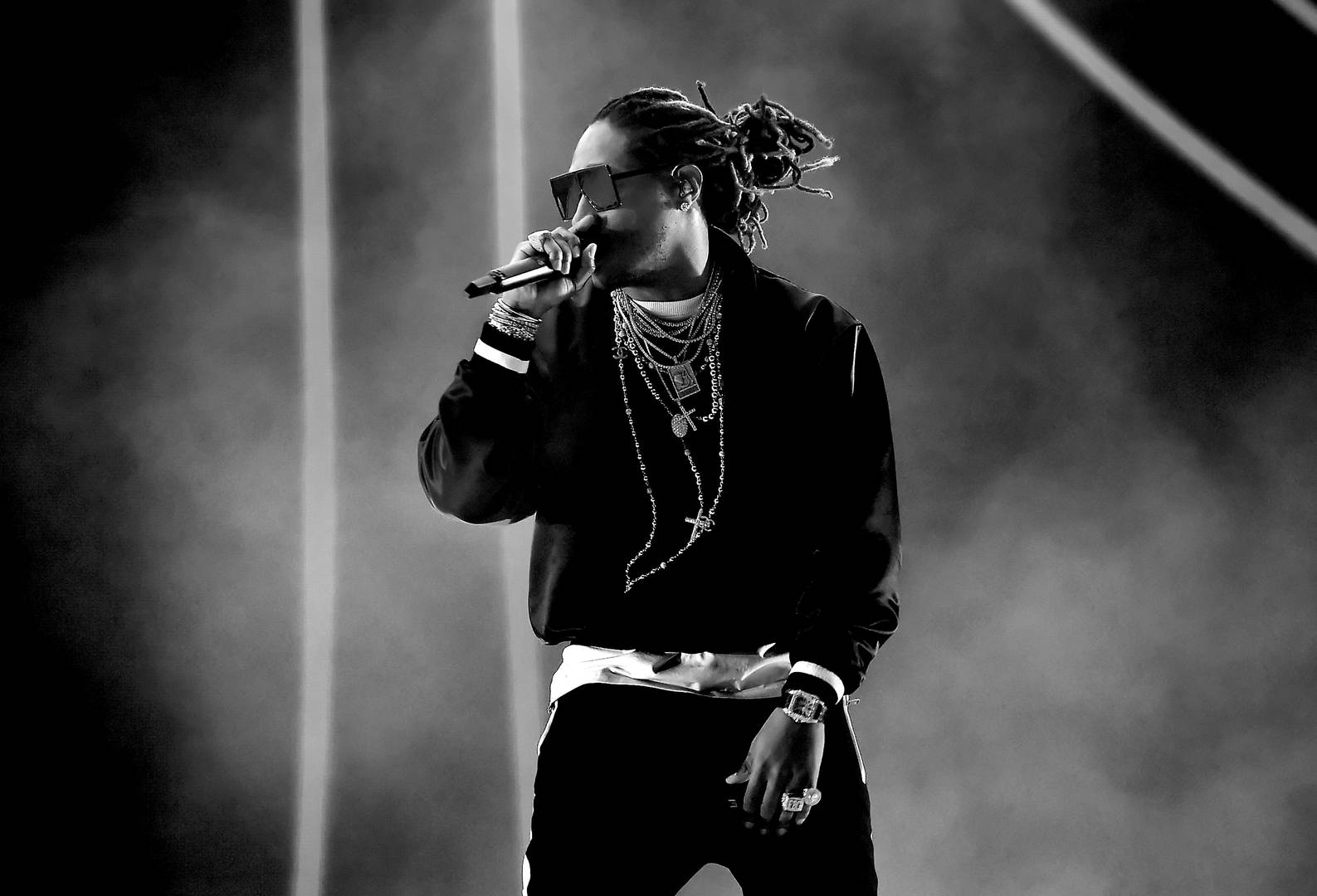 "Future Continues To Tease Possible ""HNDRXX 2"" With New Snippet"