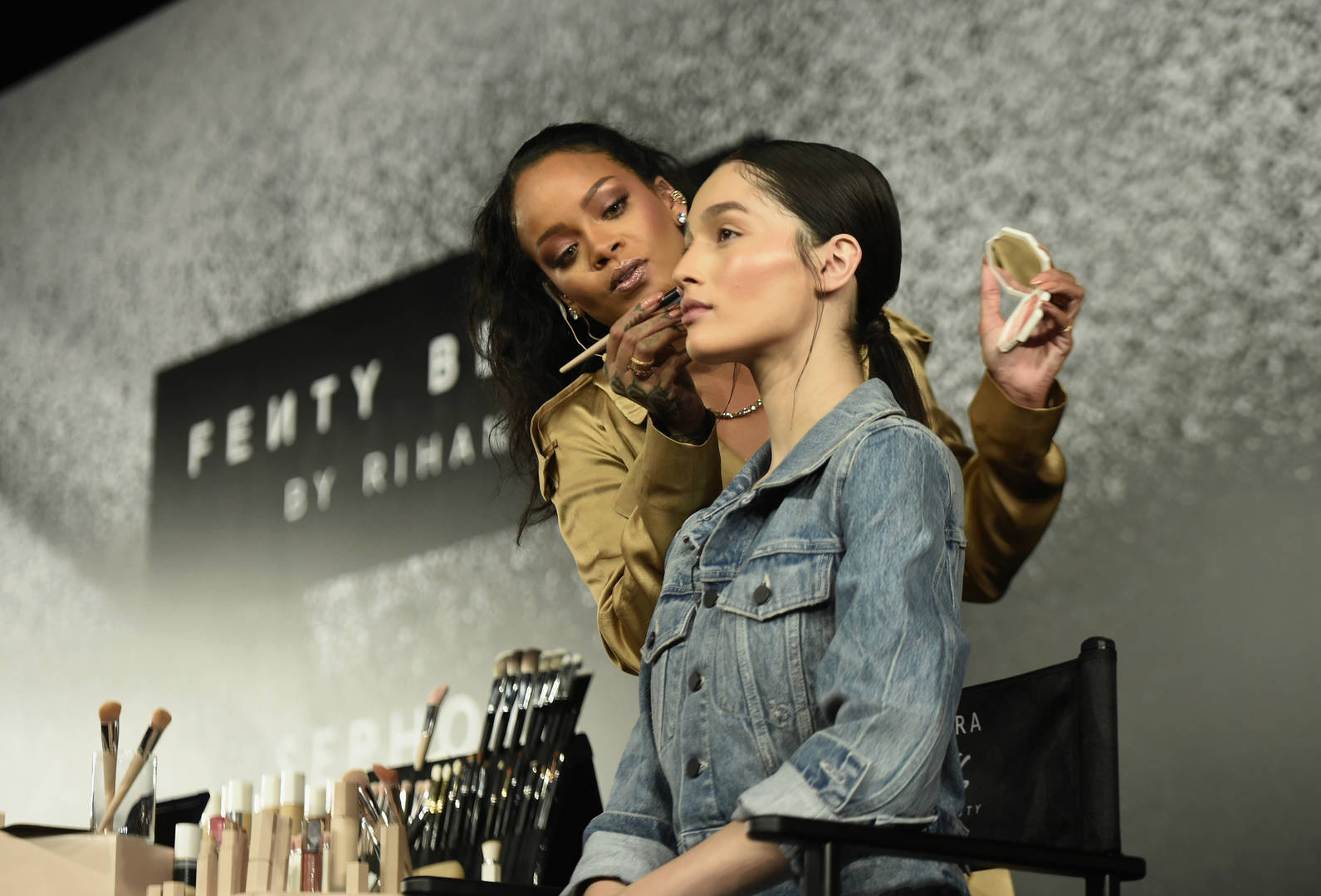"Rihanna's Fenty Beauty Pulls ""Geisha Chic"" Highlighter After Fans Deemed It Offensive"