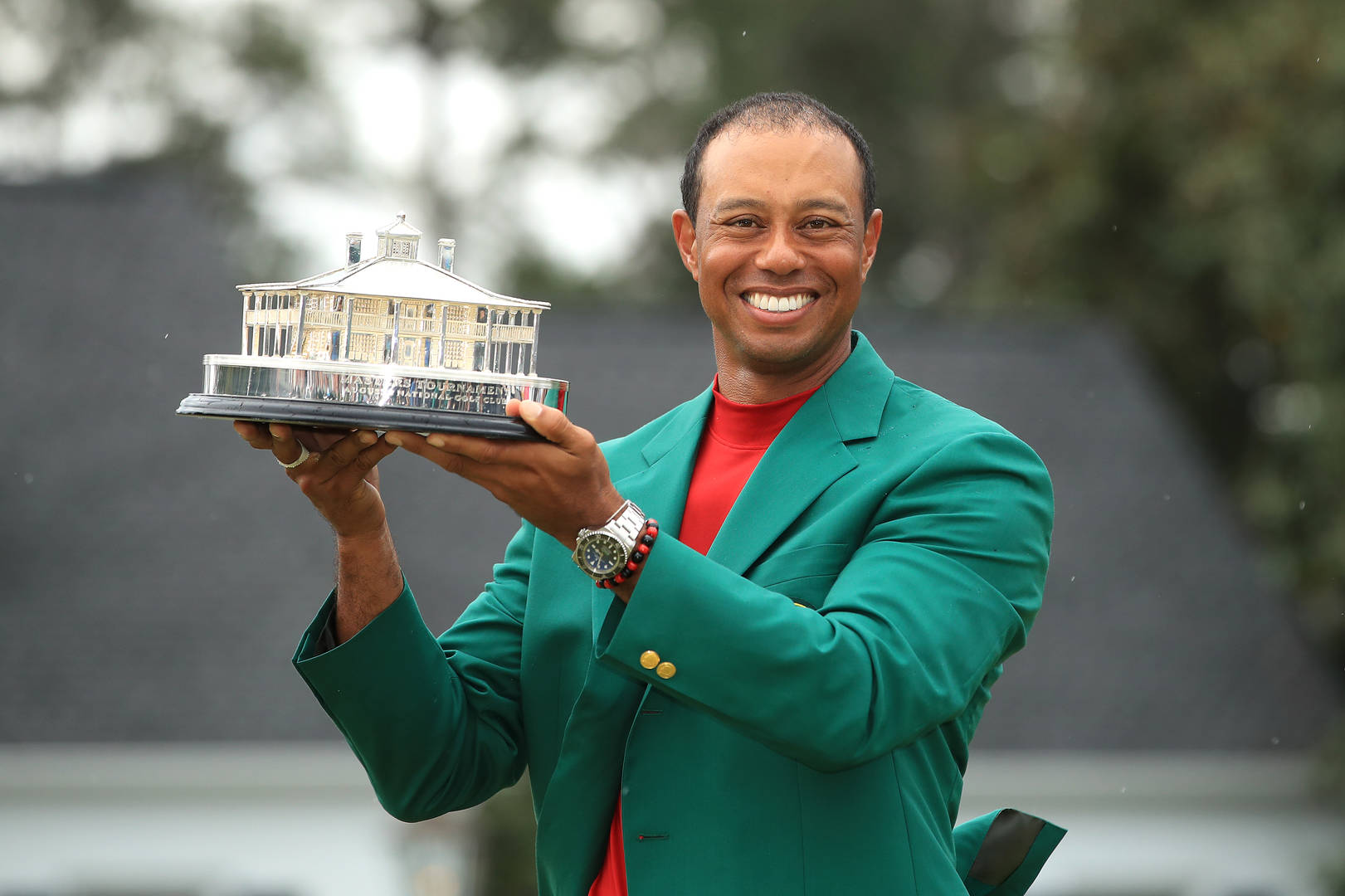Tiger Woods captures fifth Masters golf title