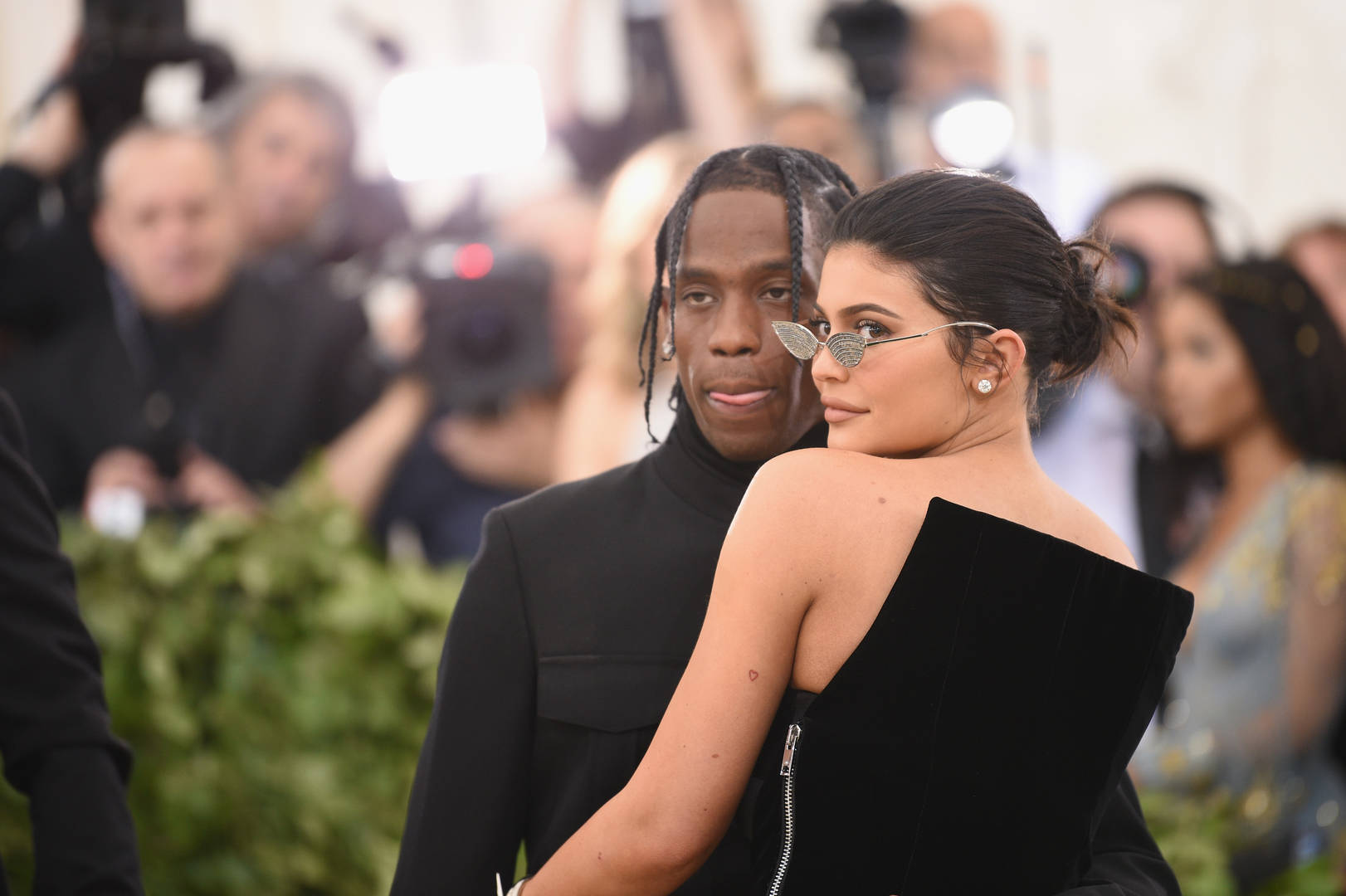 """Kylie Jenner Previews New Travis Scott While Flaunting """"Kybrows"""""""