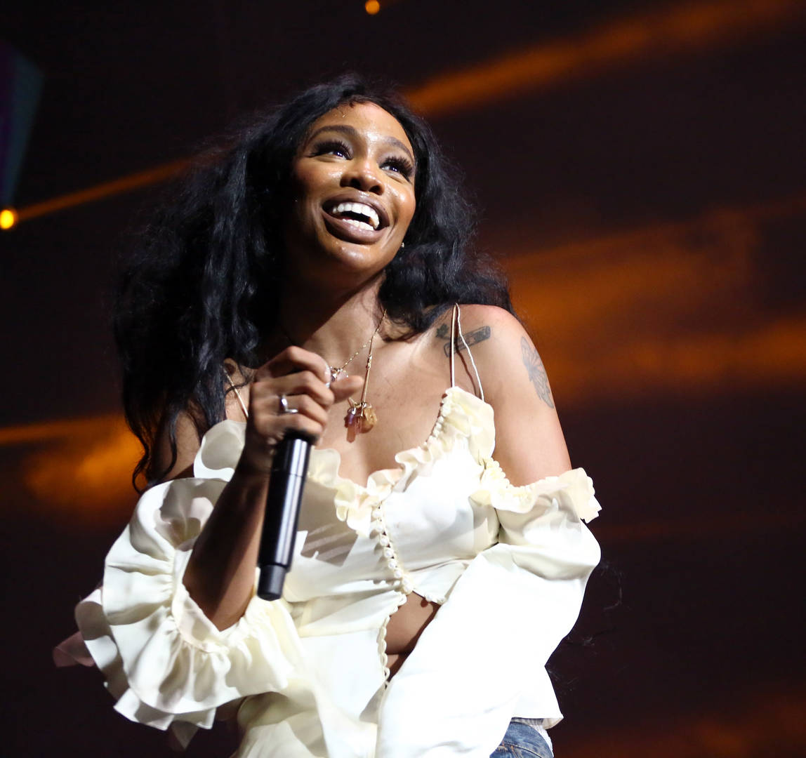 """SZA Stoked About DJ Khaled's Passionate Cries Of """"We The Best"""""""