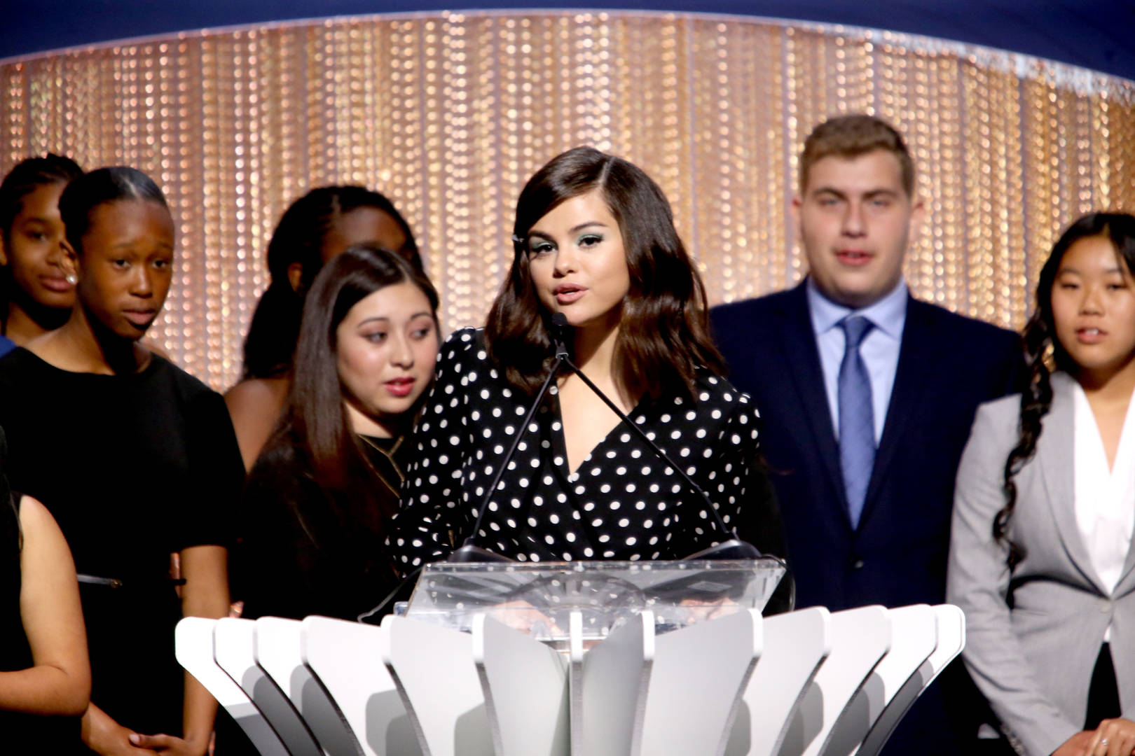 """Selena Gomez Praises The """"Beautiful Spirit That Is Oprah"""" For Inspiring Others To Be Better"""