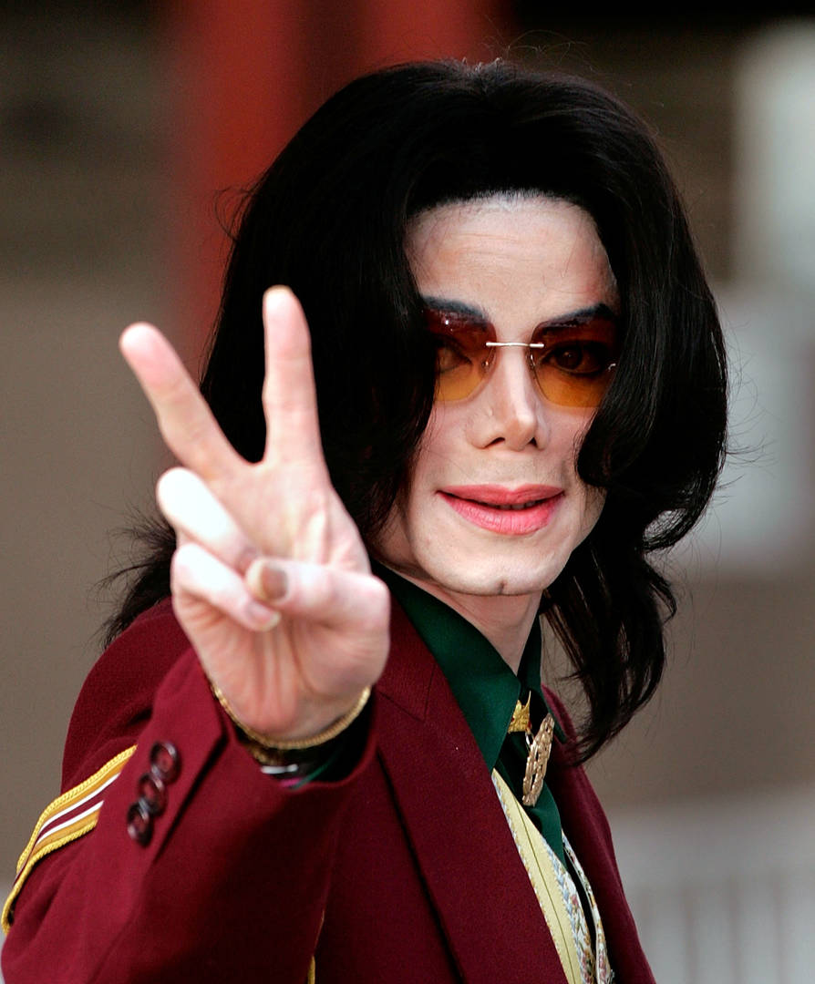 """Aaron Carter Clarifies Claim That Michael Jackson Was """"Inappropriate"""" With Him"""