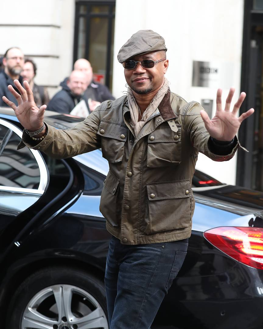 Cuba Gooding Jr will turn himself in on groping charge - lawyer