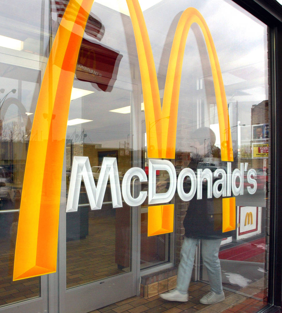 Cop Apologizes To McDonald's Employee For Falsely Accusing Them Of Biting Burger