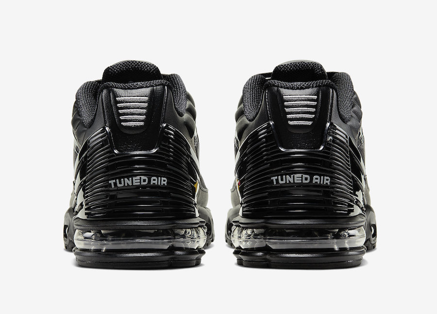 super popular d30c0 473f9 Nike Air Max Plus 3 Returns In Sleek Black & Grey Colorway ...