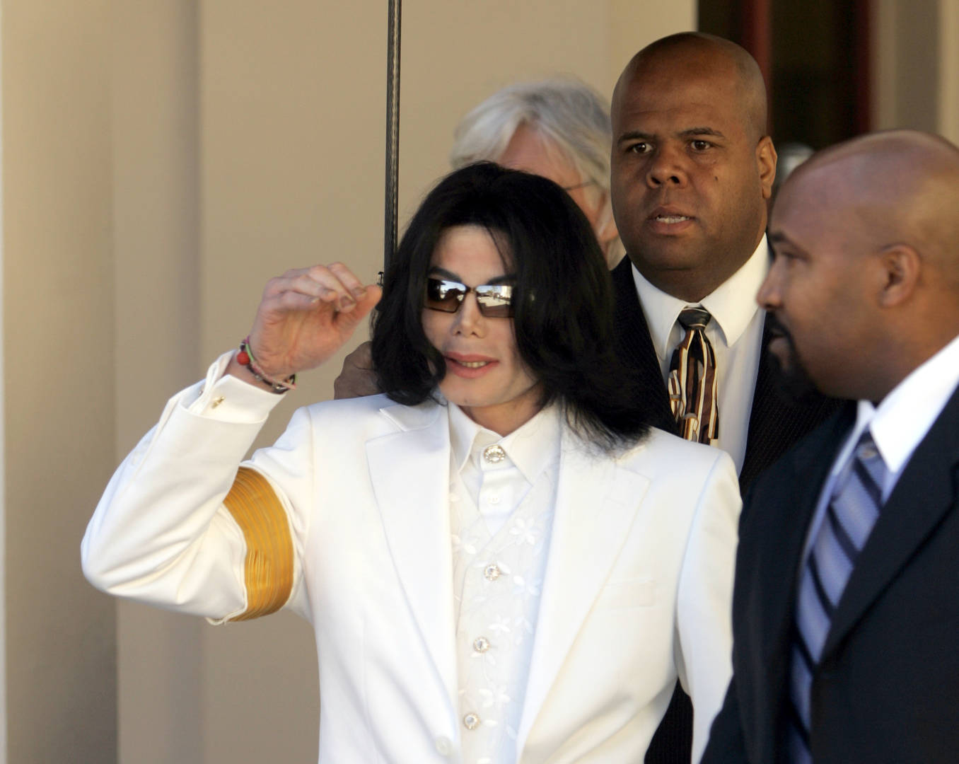Michael Jackson's Former Bodyguard Lists Why Molestation Claims Are False