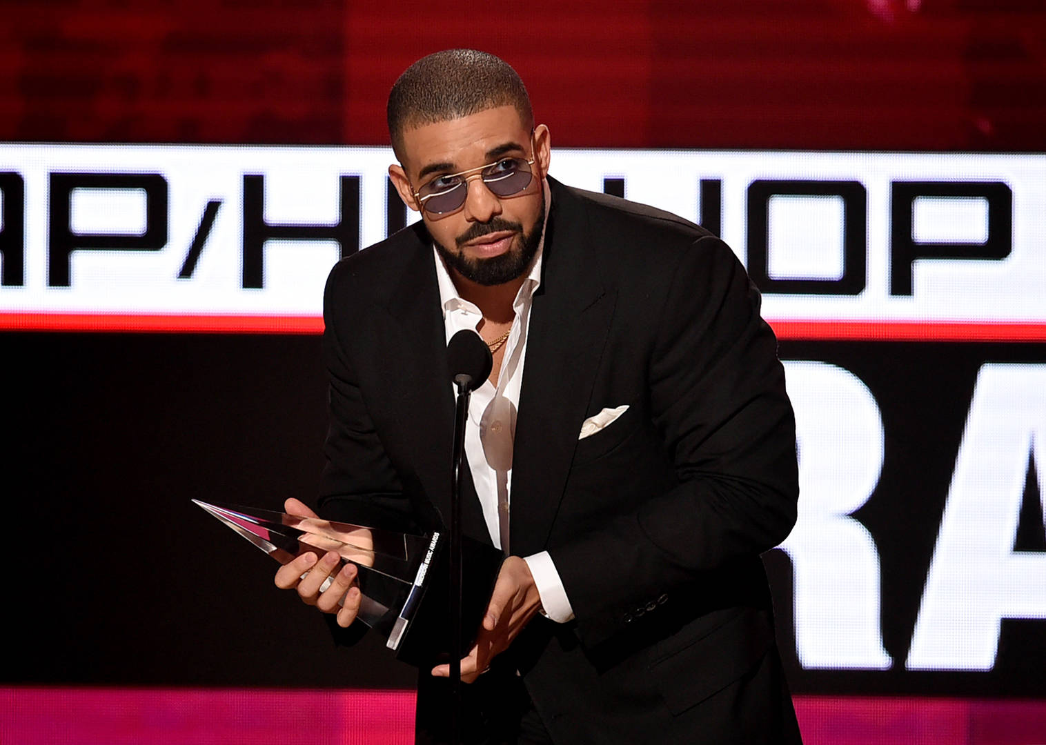 """Drake Makes Billboard History Again Thanks To """"Nothing Was The Same"""""""