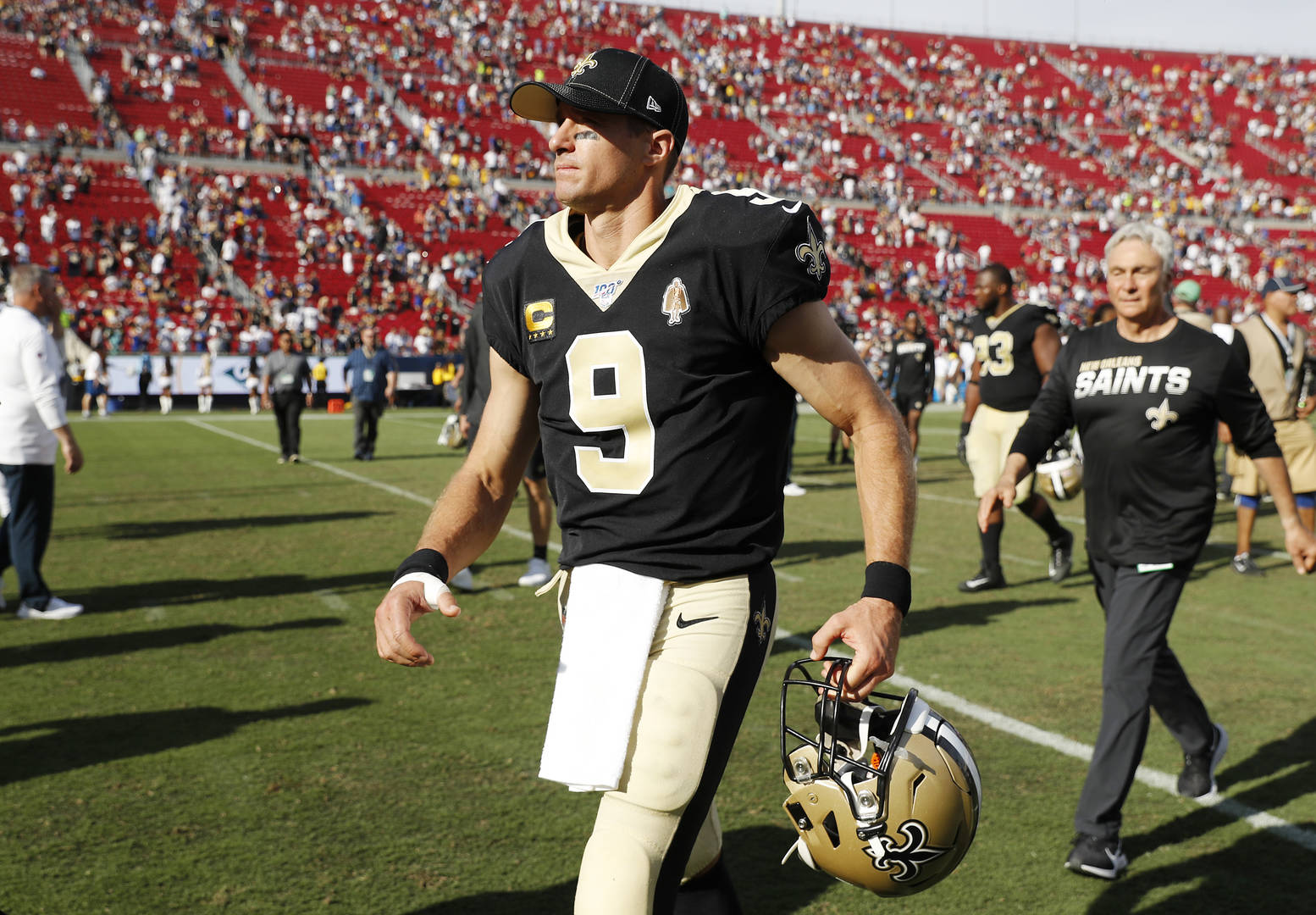 Drew Brees Out Six Weeks With Thumb Surgery