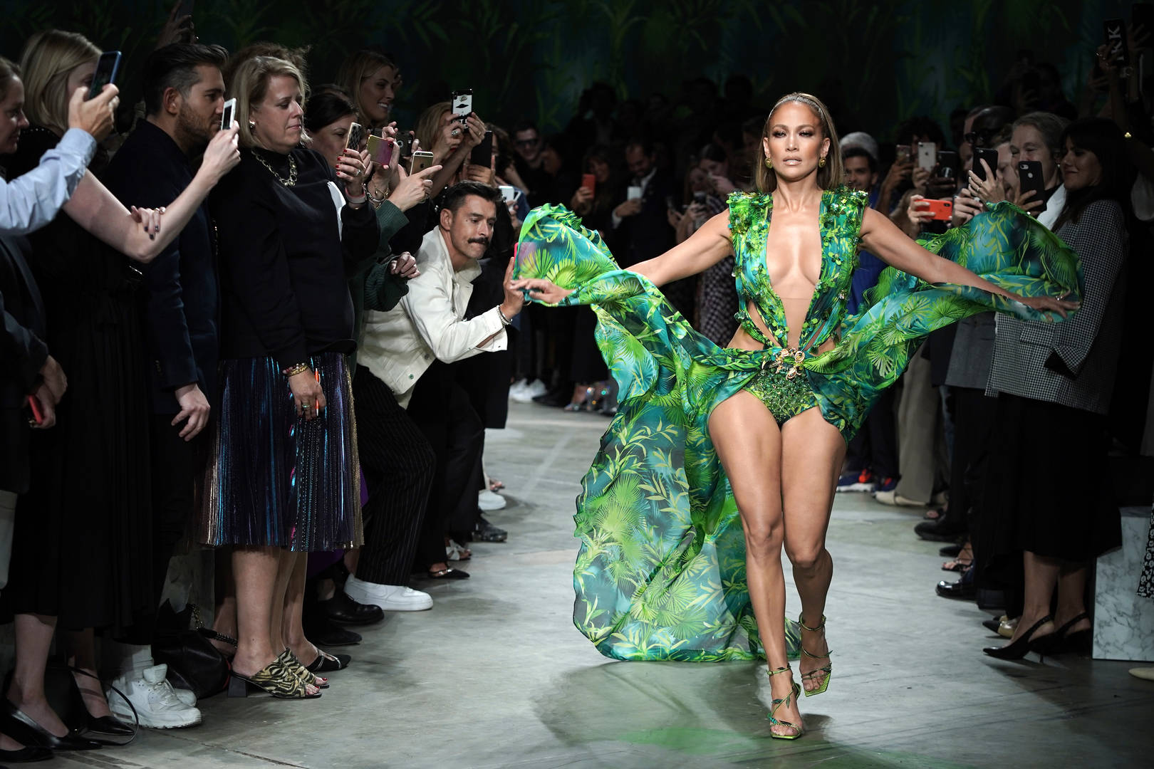 Jennifer Lopez Closes Versace Fashion Show In Iconic Dress That Started Google Images