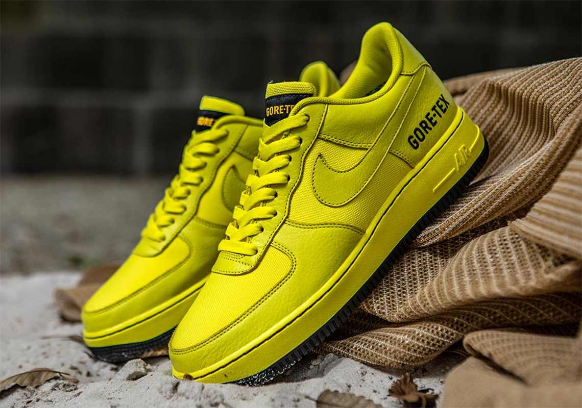 NIKE AIR FORCE 1 HIGH '07 LV8 SUEDE for 1145.00SEK