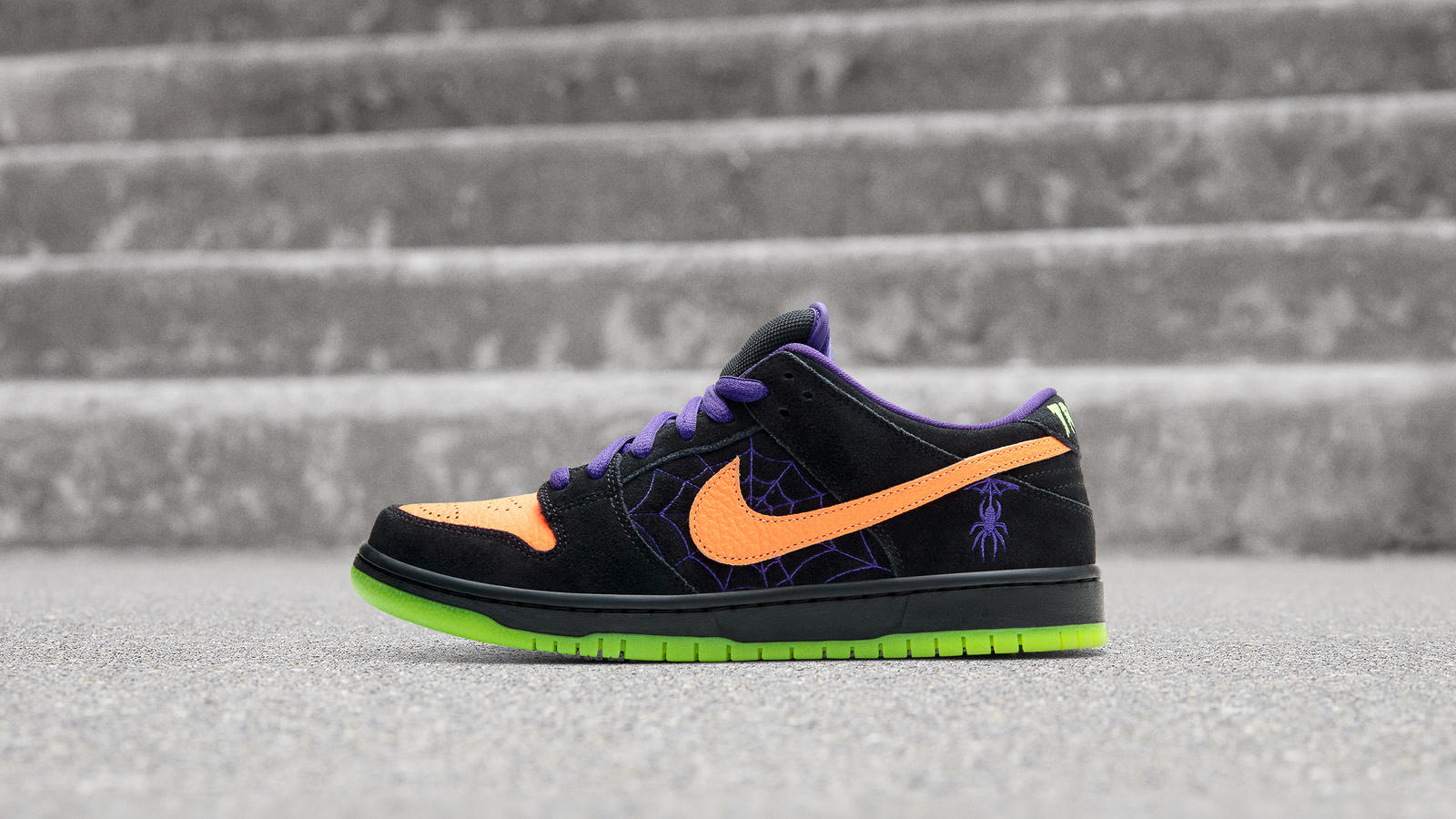 "Nike SB Dunk Low Unveiled In Festive ""Night Of Mischief"" Colorway"