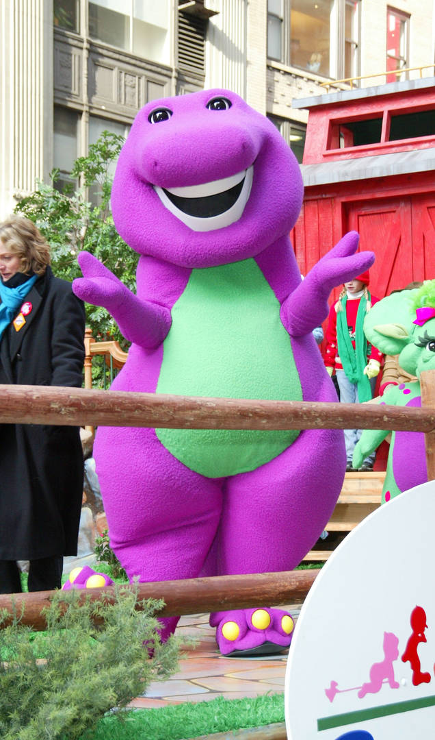 """Barney Is Getting His Very Own Movie Thanks To """"Get Out"""" Star Daniel Kaluuya"""