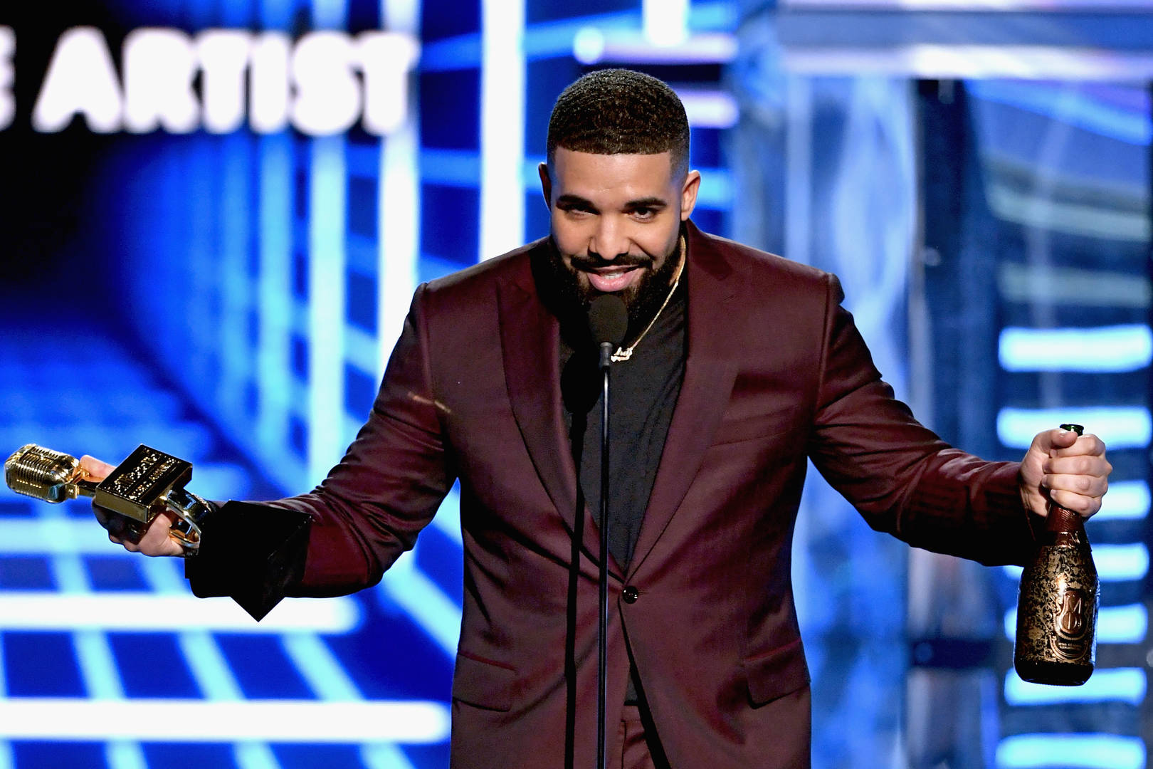 "Drake Officially Solidifies Himself As ""The Lord Of The Rings"""