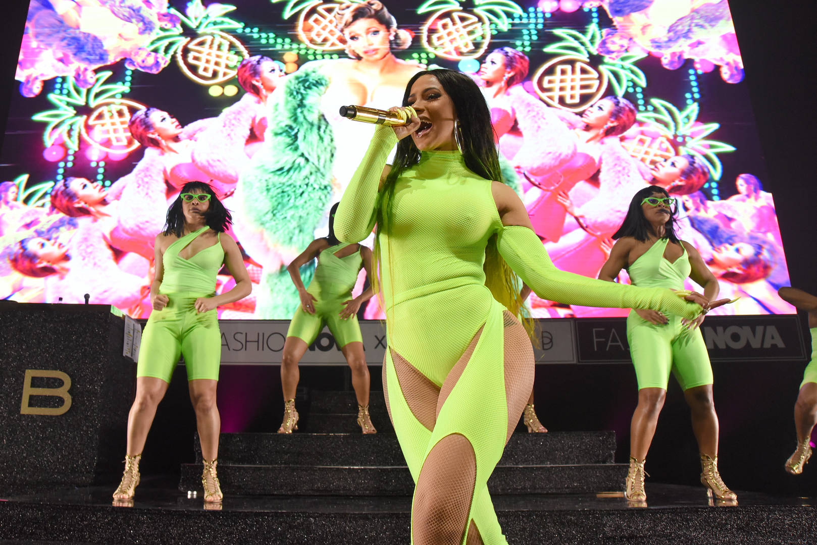 Cardi B Wants Blogger Death Threat Case Dropped, Denies Any Wrongdoing