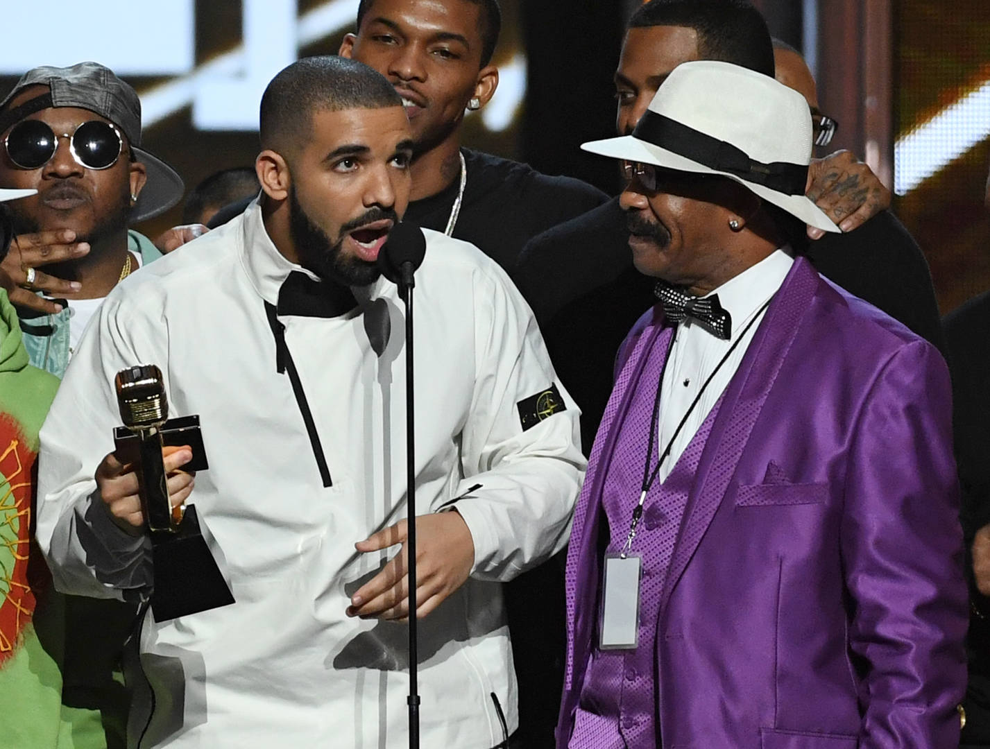 """Drake Dresses Up As His Father Dennis Graham For Halloween: """"Not Planned"""""""