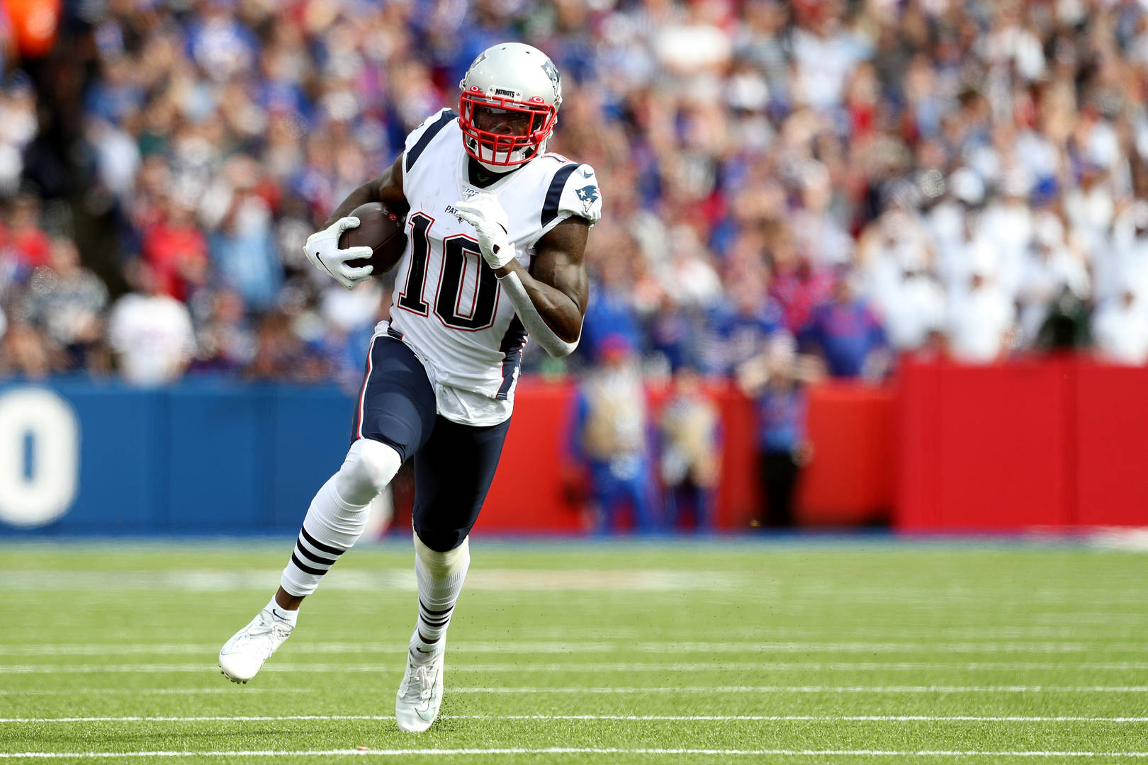 Former New England Patriots WR Josh Gordon claimed by Seattle Seahawks