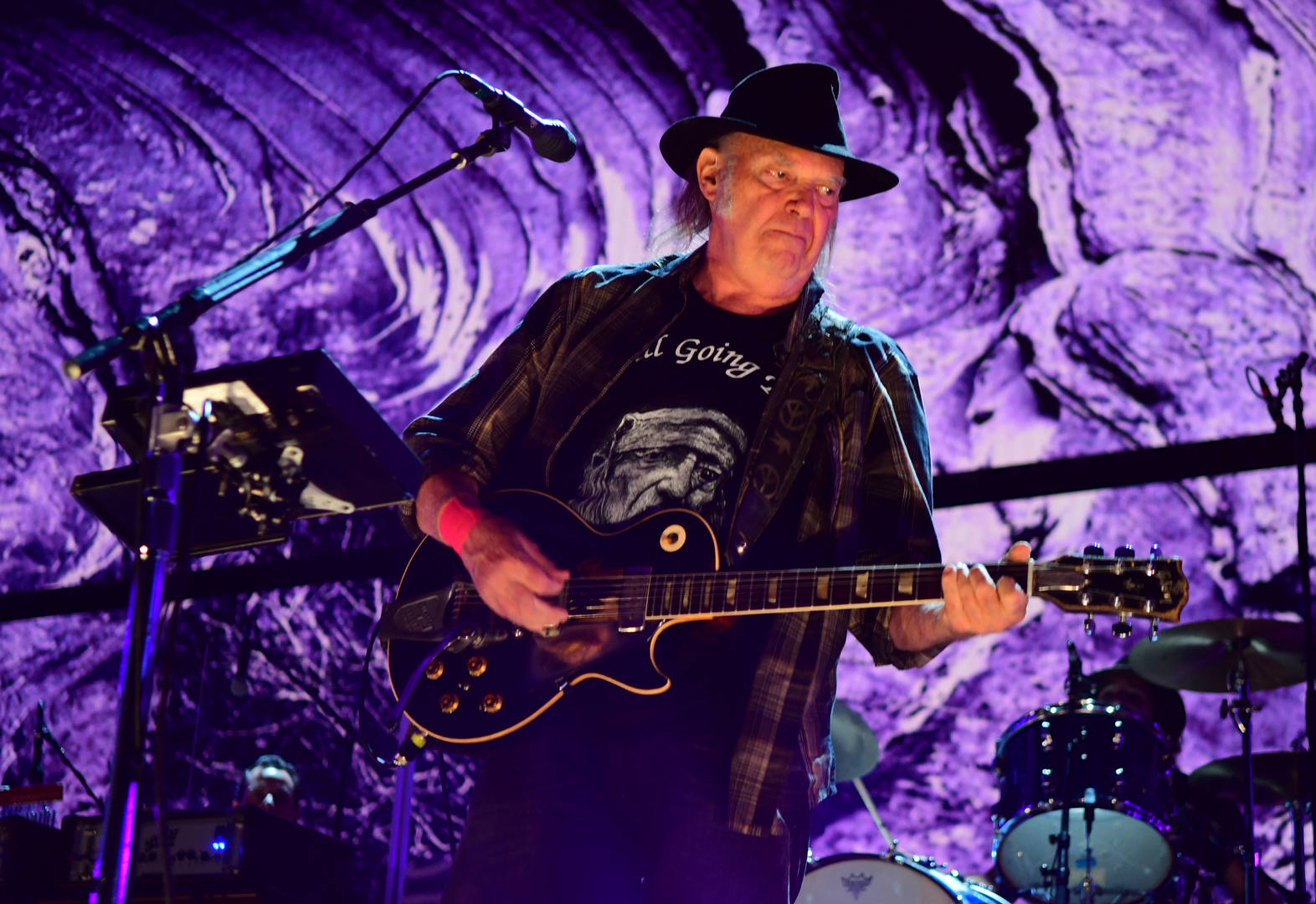 Neil Young Says US Citizenship Delayed For Past Marijuana Use
