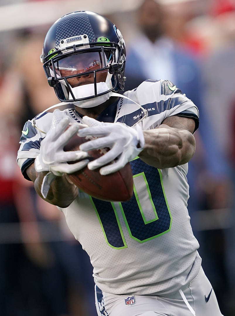 Russell Wilson Reacts To Josh Gordon S Seahawks Debut With