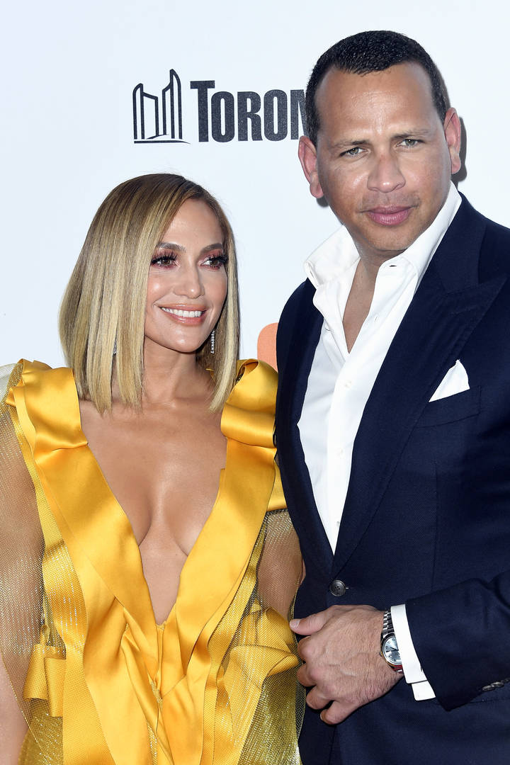 Jennifer Lopez, Alex Rodriguez & Their 4 Children Were All Smiles This Thanksgiving