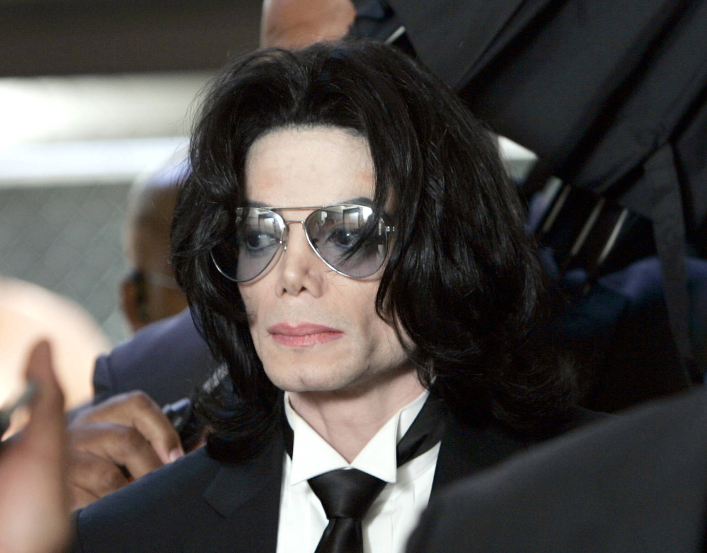 Johnny Depp to make Michael Jackson musical from perspective of his glove