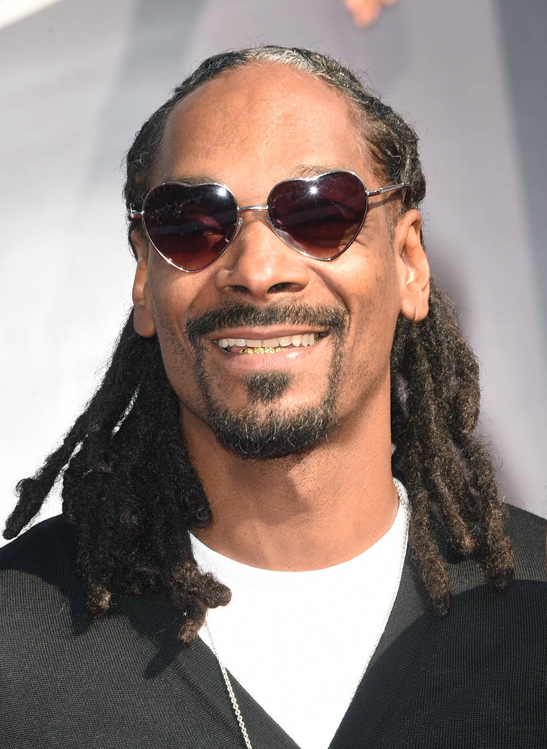 Snoop Dogg Shows Off Badass Death Row & No Limit Chains