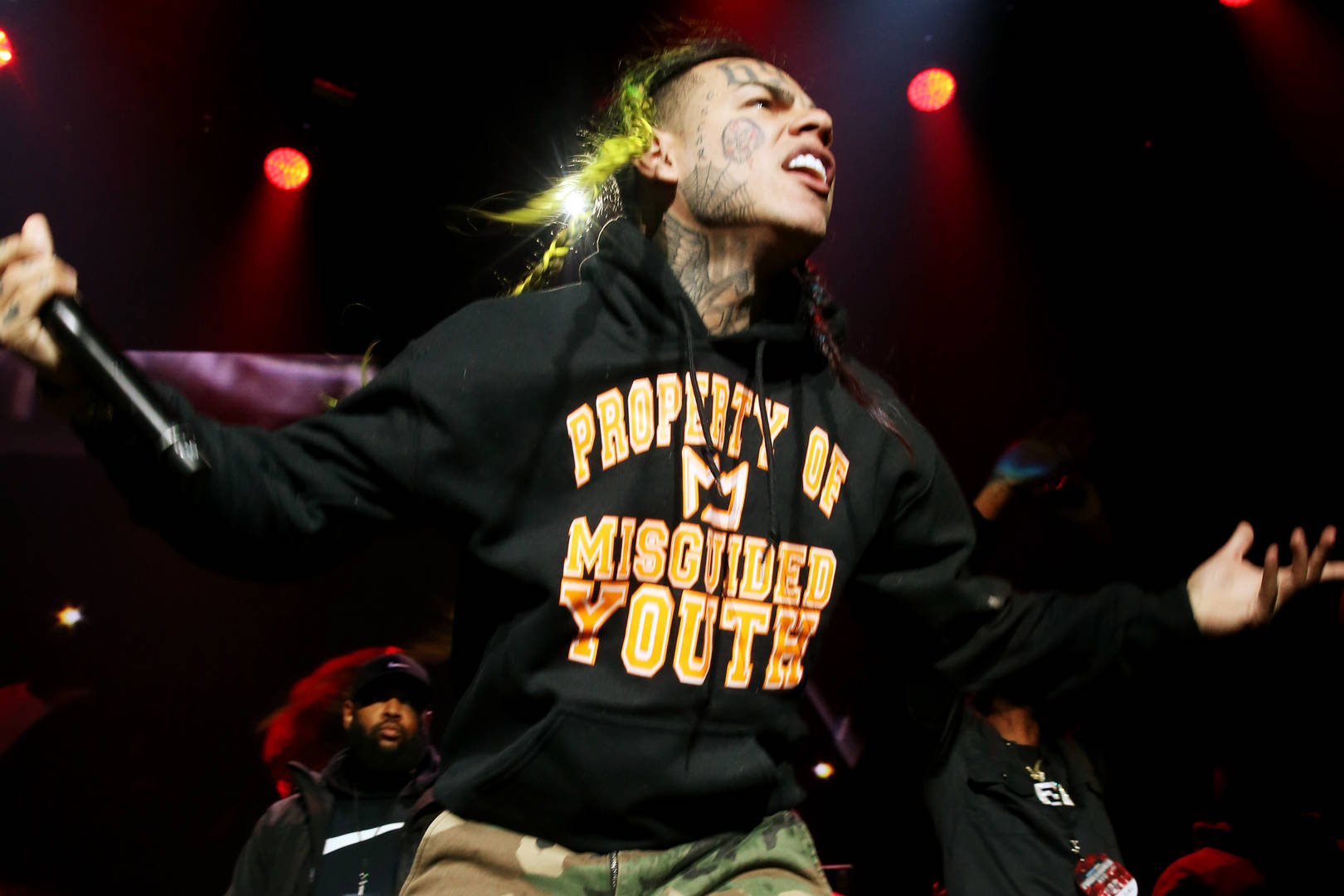 Tekashi 6ix9ine Sentenced to 2 Years in Prison in Drugs & Weapons Case