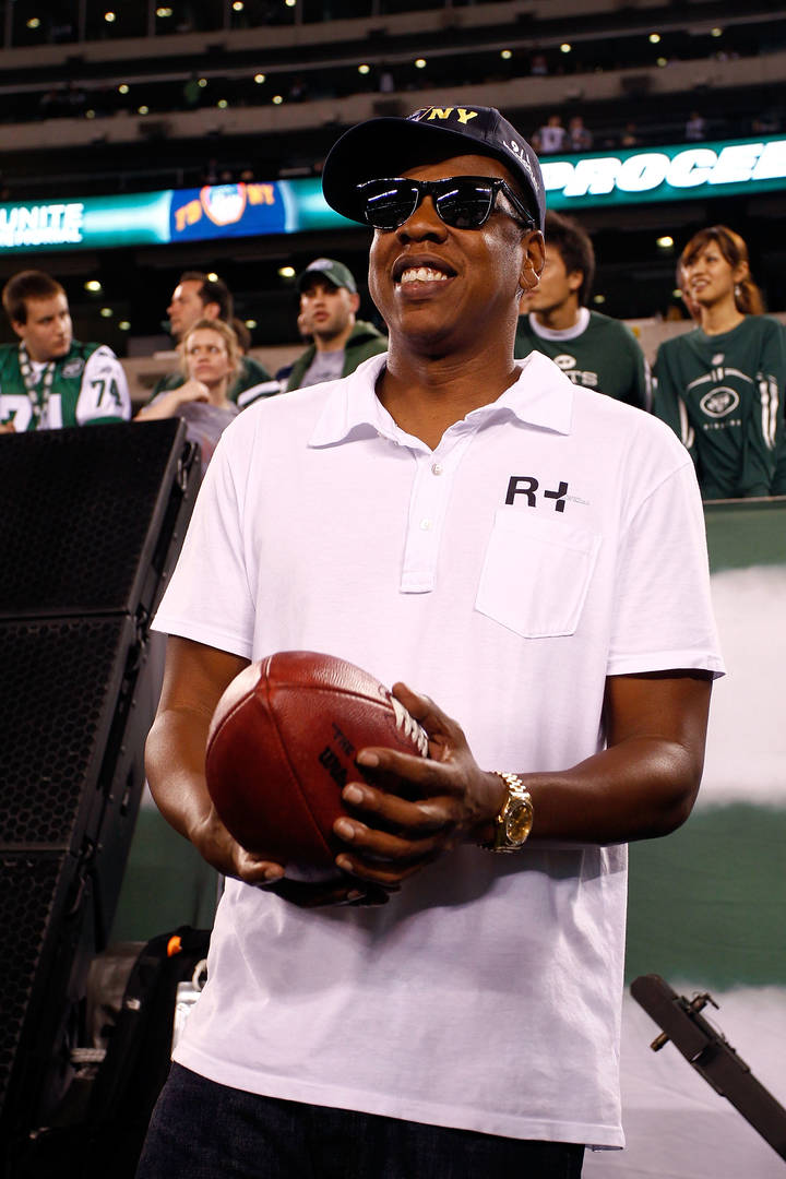 Jay-Z Speaks Out About NFL Partnership & Kaepernick Ahead Of Super Bowl