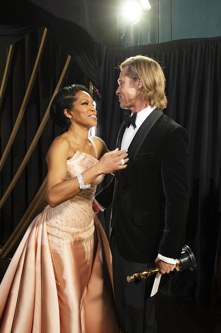 Brad Pitt & Regina King's Oscars Kiss Has Fans Wanting More