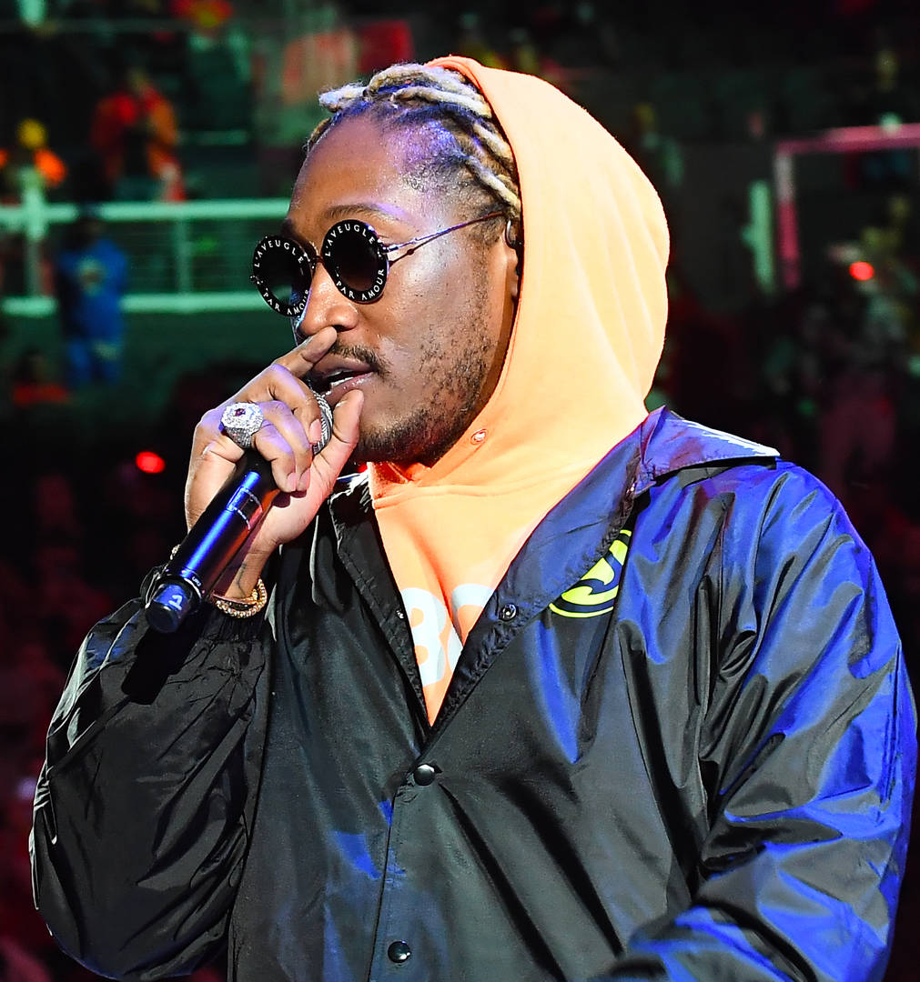 Future baby mama alleged son child baby pose photo shoot lawsuit