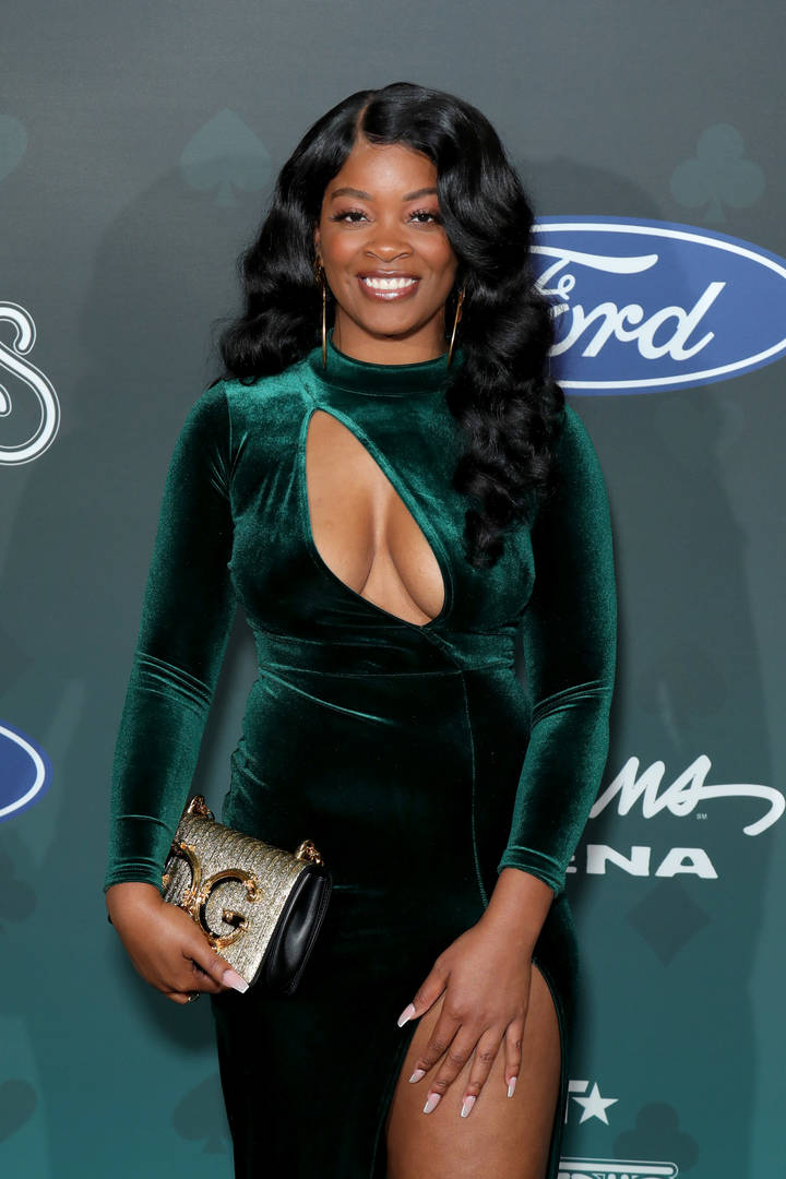 Ari Lennox Shows Off Stunning New Look While On Music Video Set