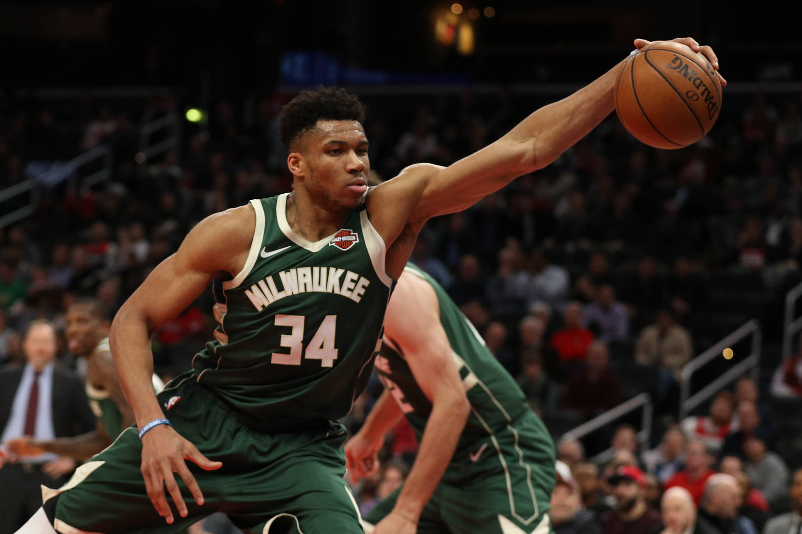 Giannis Antetokoumpo Milwaukee Bucks Free Agent