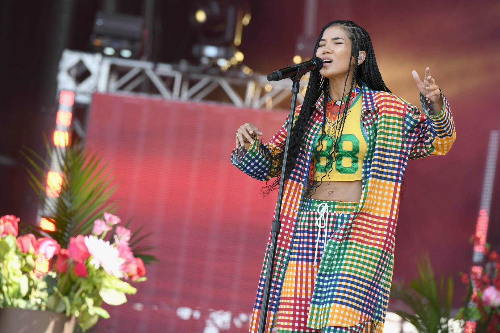 """Jhené Aiko Future Miguel """"Happiness Over Everything (H.O.E.)"""" The Ellen Degeneres Show performance watch song Chilombo"""
