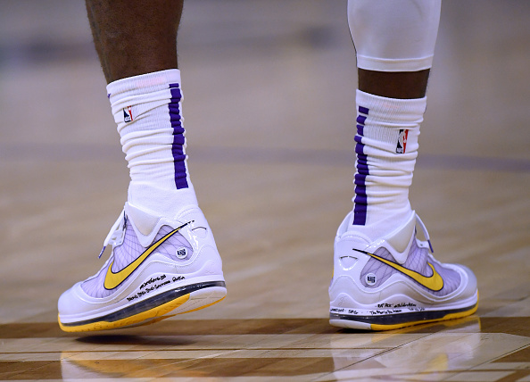 LeBRon 7 Lakers