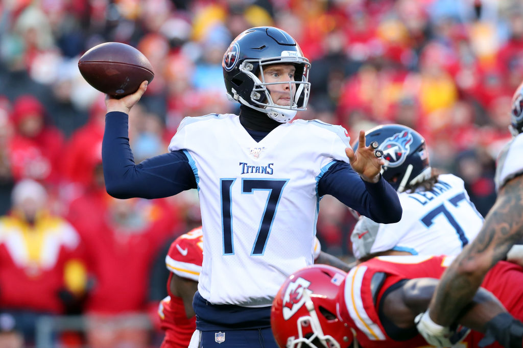 Ryan Tannehill Signs $118M Contract With The Titans: Twitter Reacts