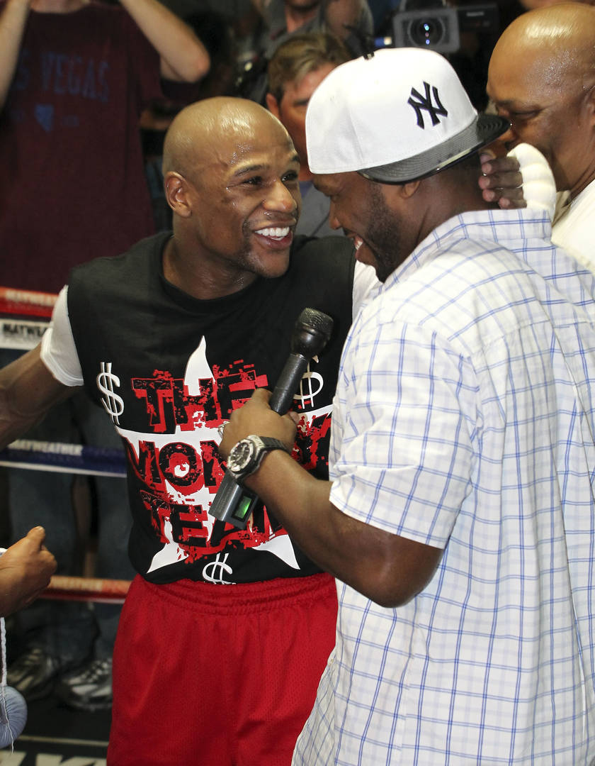50 Cent Reacts To Floyd Mayweather's Uncle's Death