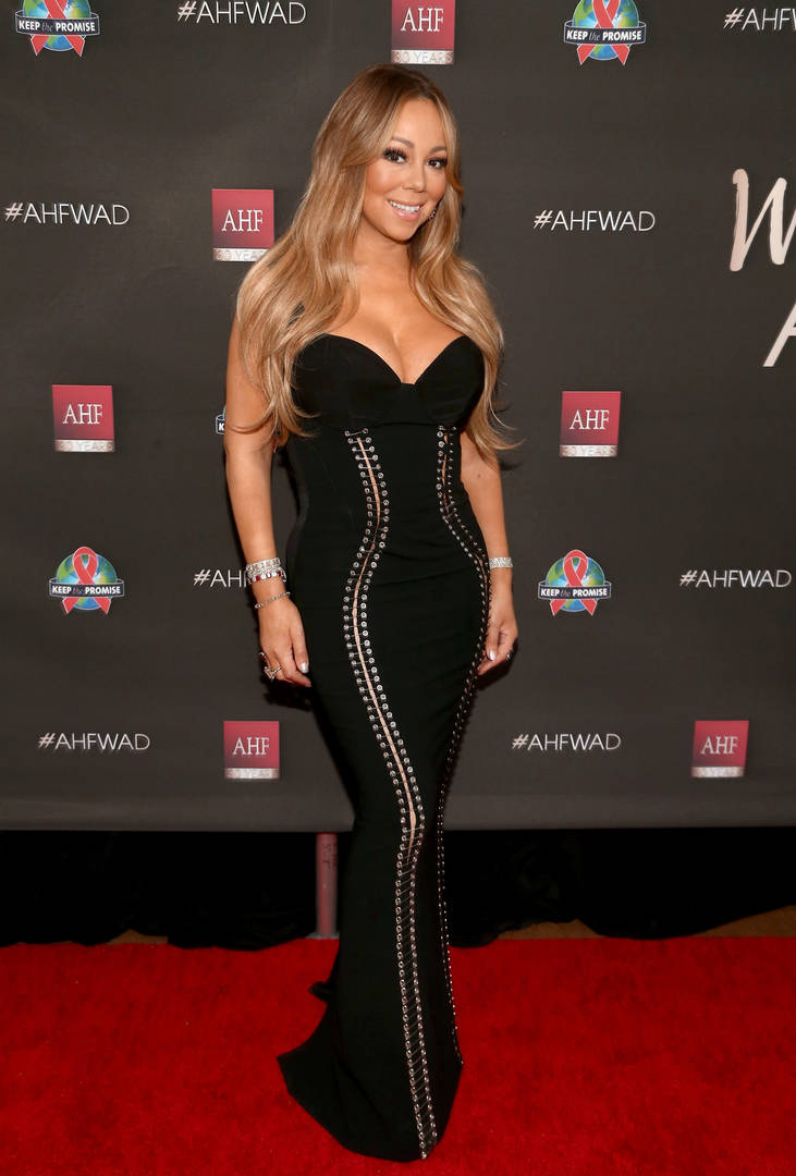 "Mariah Carey Fans Aren't Impressed With Singer's ""Whole World"" Vocals"