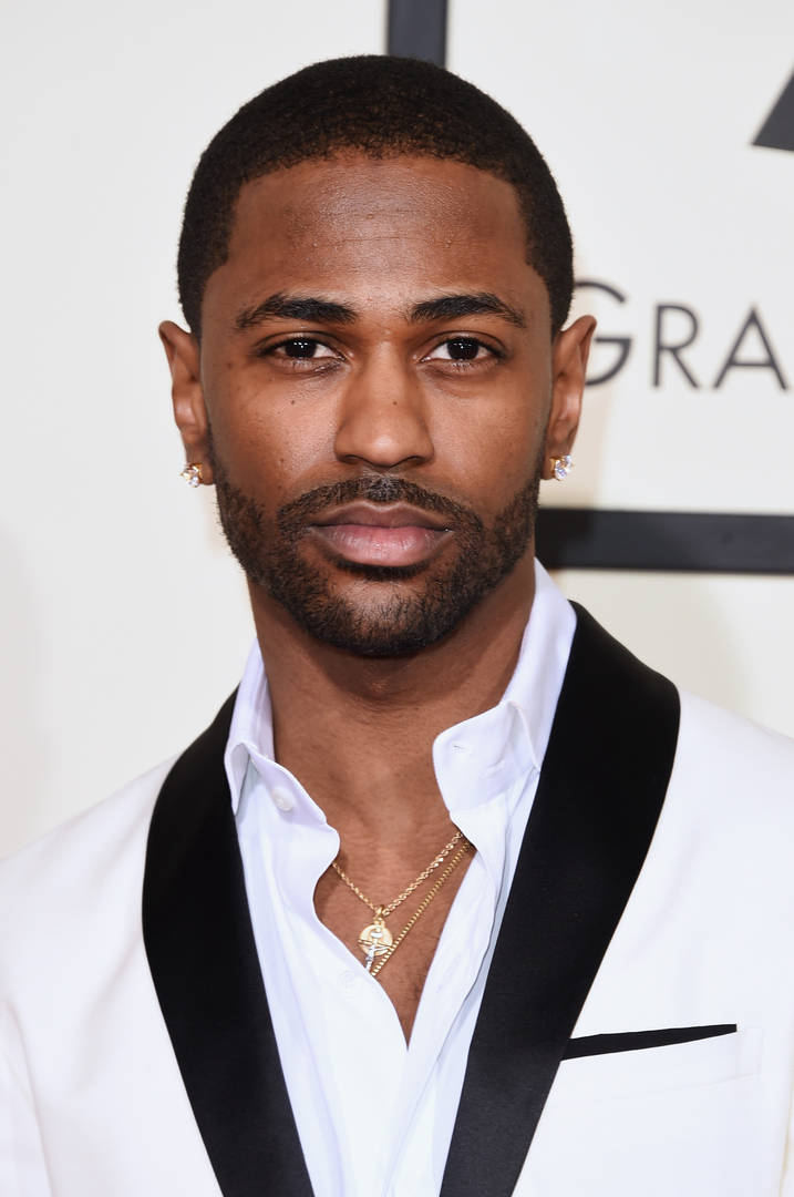 Big Sean Poses Next To Portrait Of Himself Designed In Girl's Hair Beads