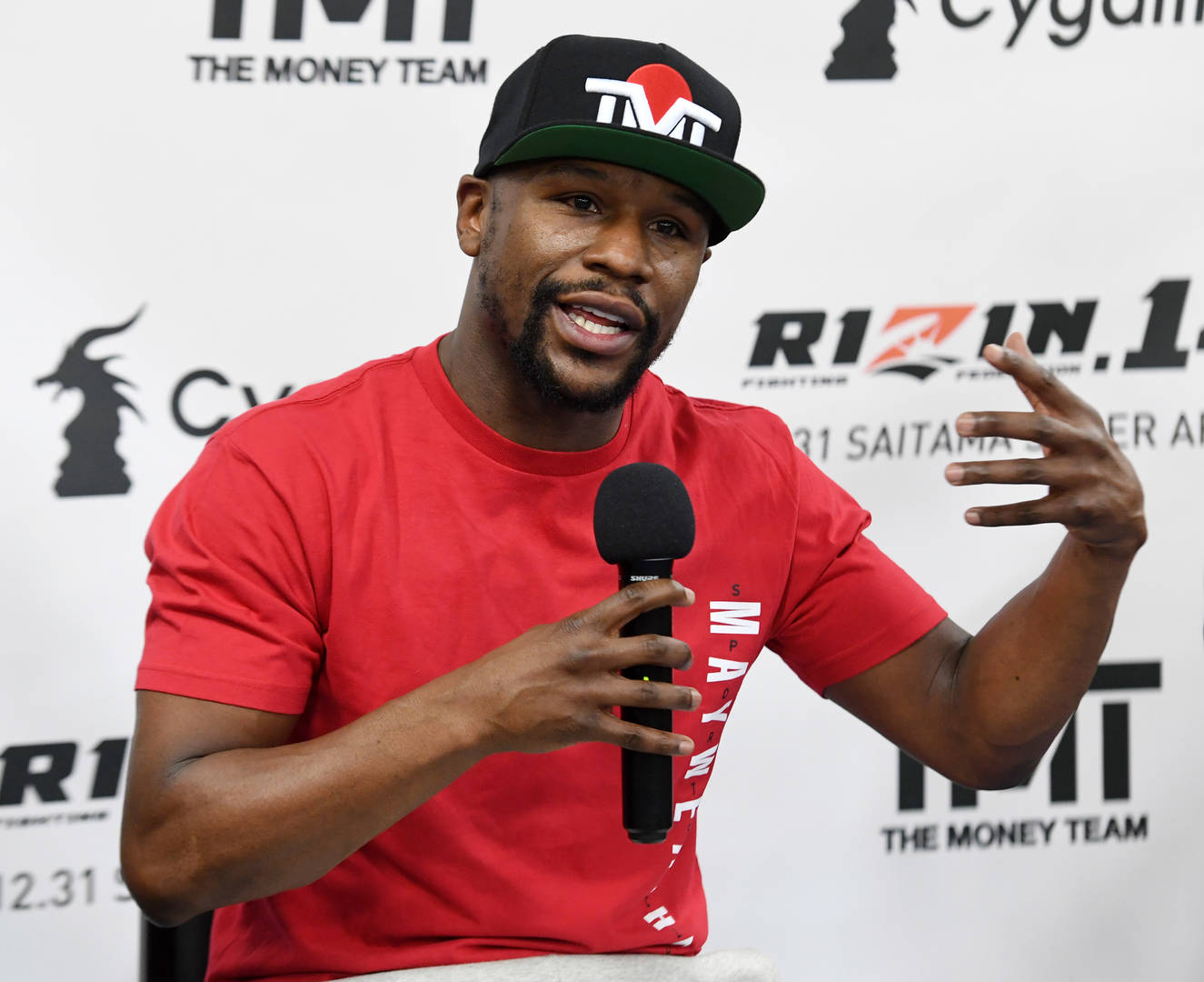 Floyd Mayweather bike mask social distancing entourage quarantine isolation coronavirus
