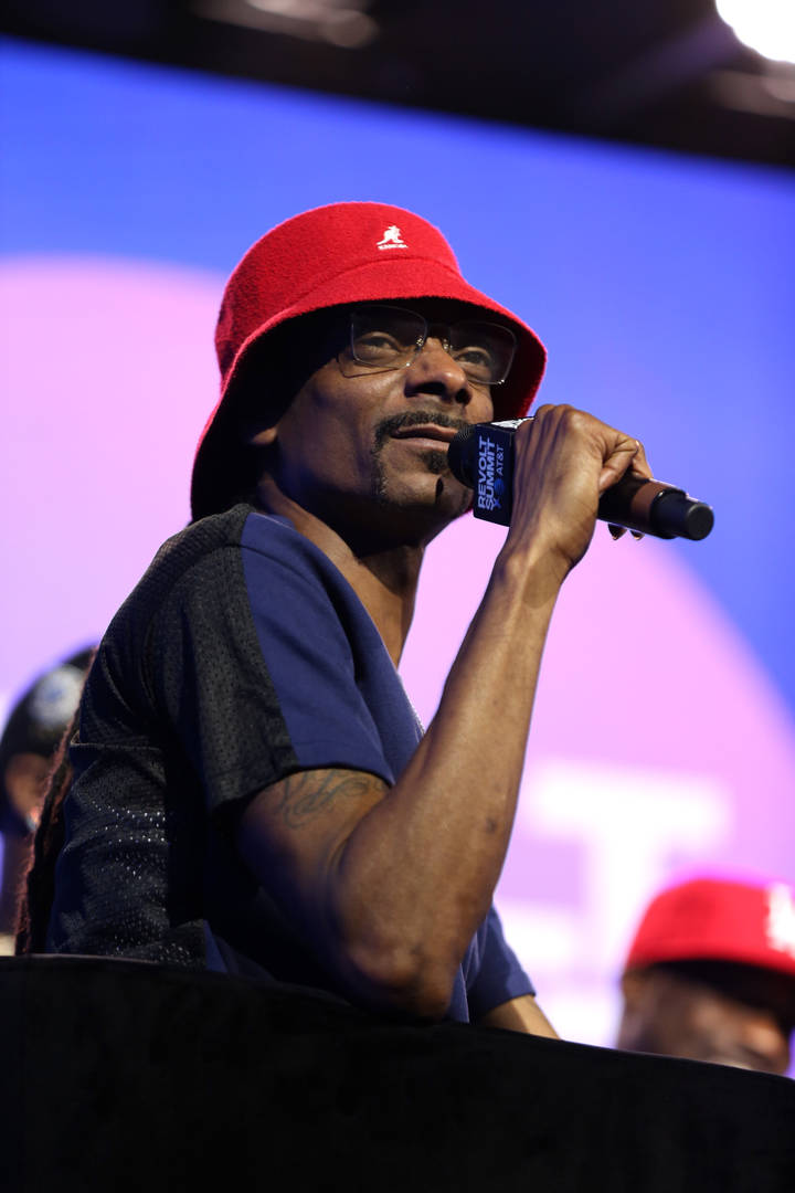 Snoop Dogg's Hair Reacts To L.A. Earthquake Before He Does