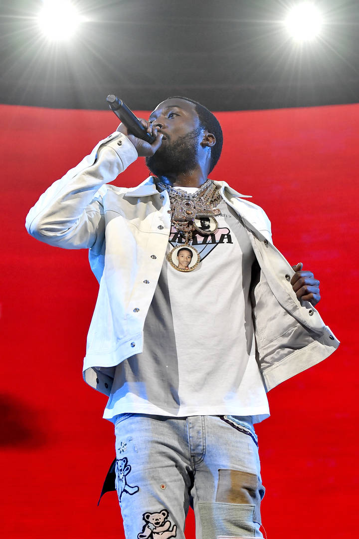 Meek Mill Accidentally Gets Caught Up In Paloma Ford's Thirst Trap