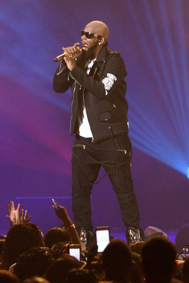 R. Kelly Complains About Prison Food After Being Told To Work Out