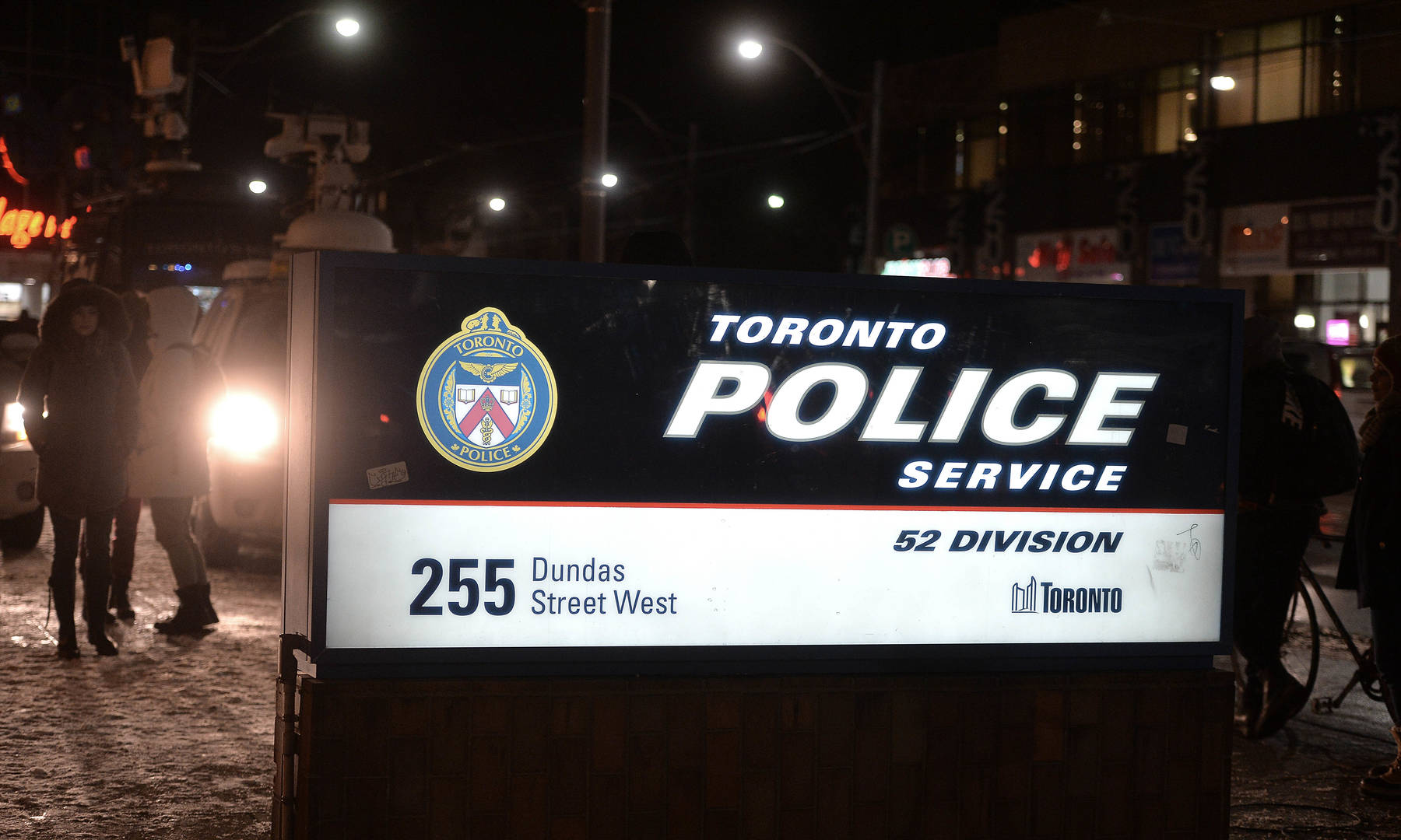 SIU investigating After Woman Falls To Her Death In Toronto