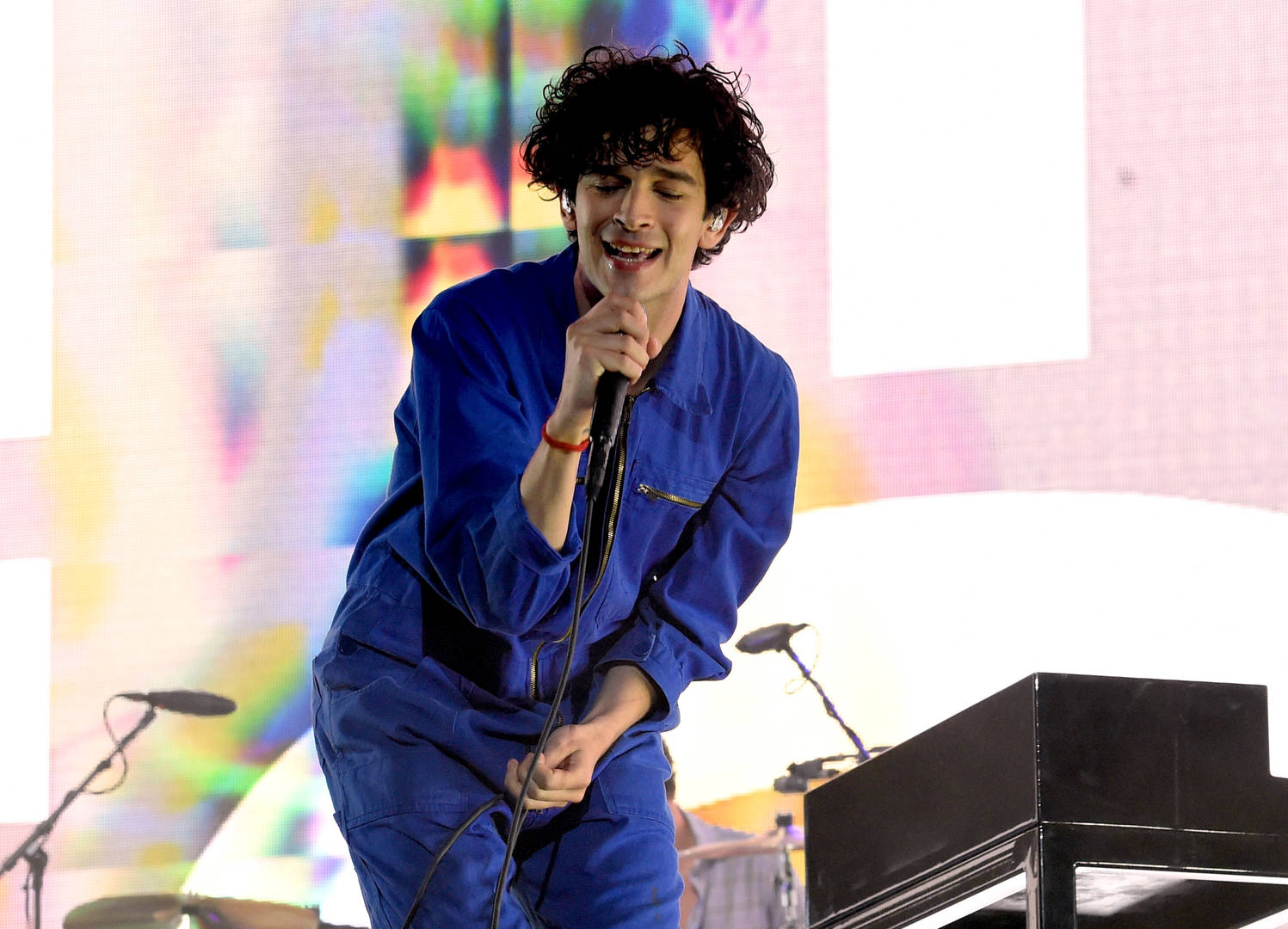 "matt matty healy the 1975 deactivate twitter account black lives matter hashtag promote new song ""Love It If We Made It"" music video"