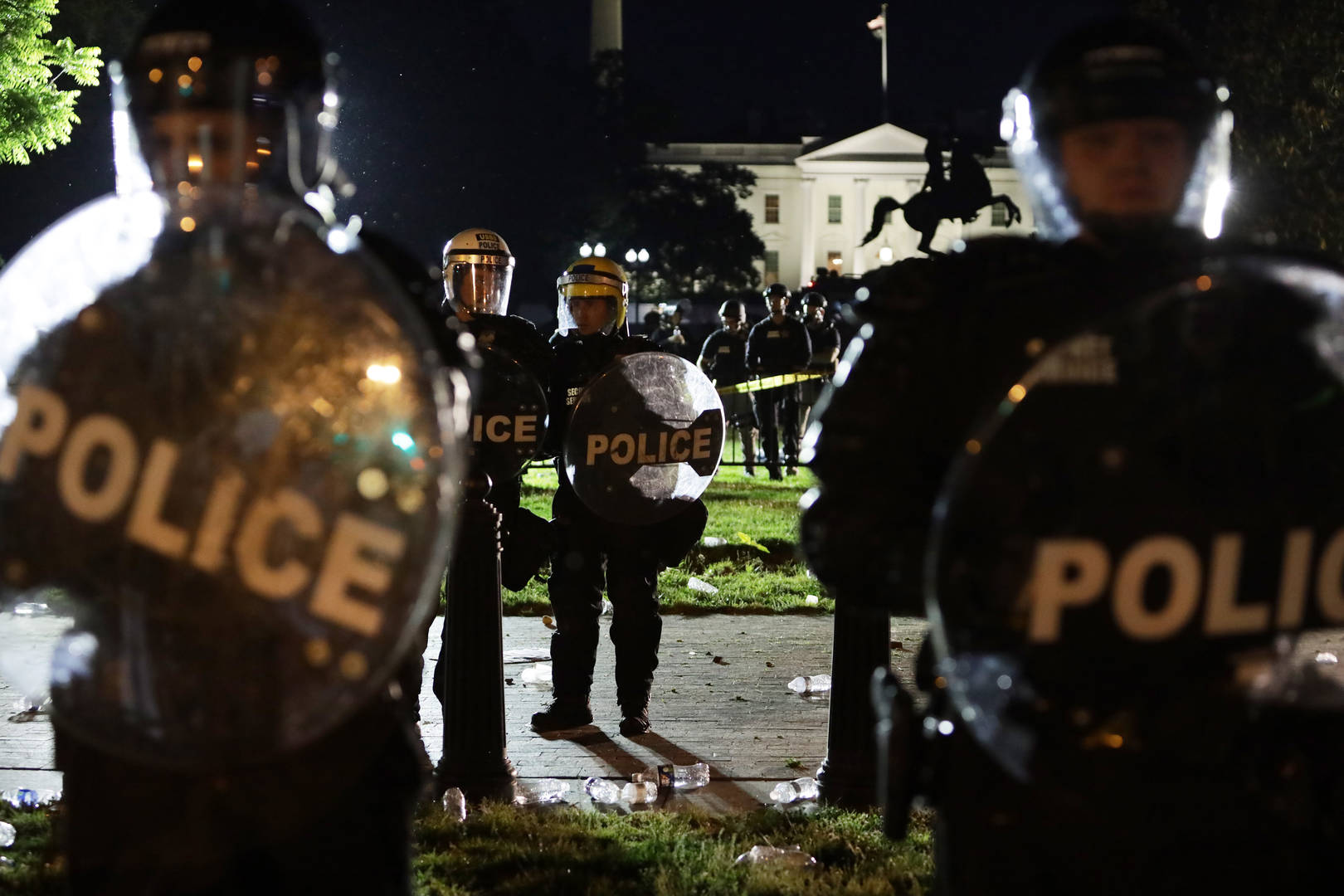 police cops officers amazon facial recognition technology software banned year protests