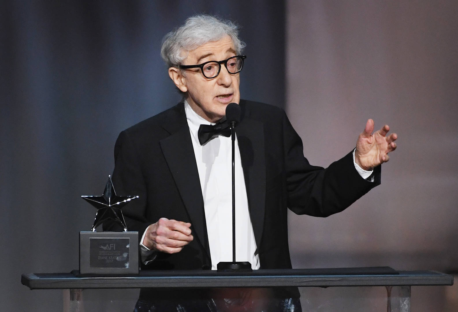 "Spike Lee Feels For Woody Allen Amid ""Cancel Culture"": ""I Know He's Going Through It"""