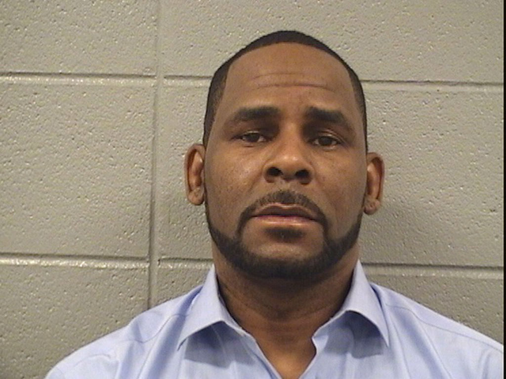 R. Kelly attacked by inmate in jail, lawyer confirms