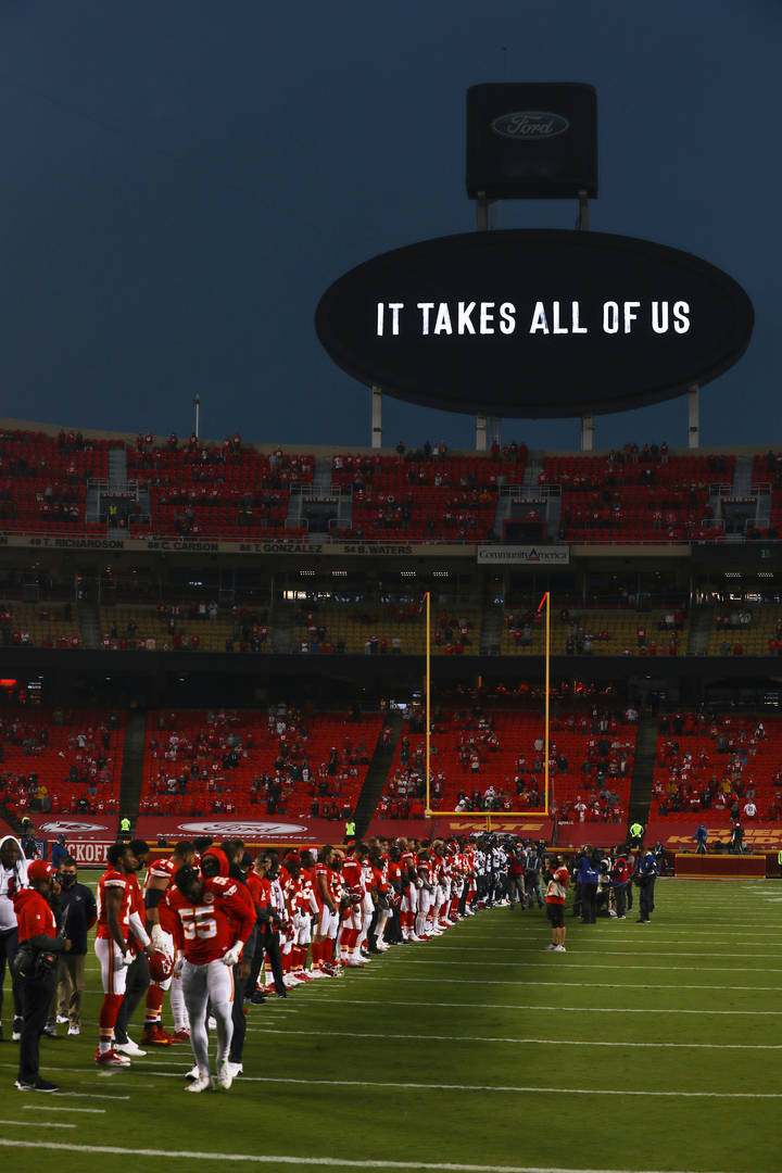 Kansas City Chiefs, NFL, Texans, Booing, Equality